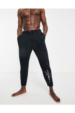 Hollister Lounge jogger in with script logo