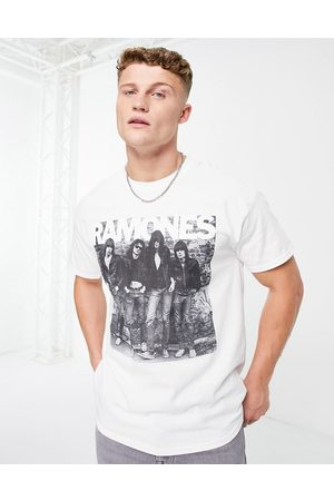 New Look Oversized t-shirt with Ramones print in