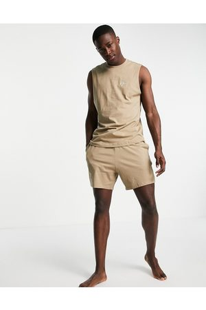 New Look Lounge vest & relaxed fit short set in stone