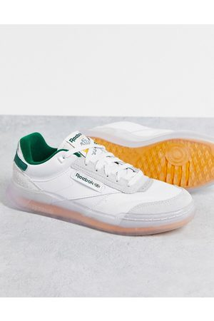 Reebok Club C Legacy trainers in and green