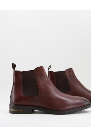 WALK LONDON Oliver chelsea boots in leather with metal heel