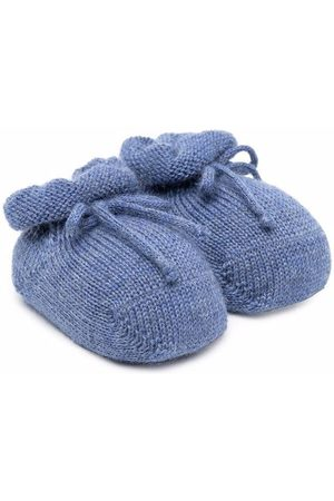 Story Loris Tie-front crib shoes