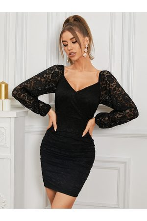 Yoins V-neck Lace Ruched Long Sleeves Bodycon Mini Dress
