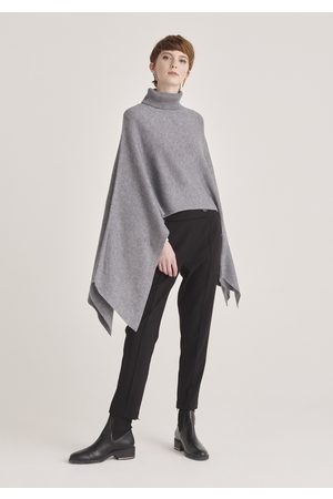 Paisie Pre-Order Knitted Cape