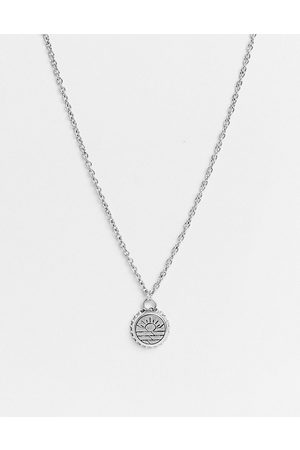 Classics 77 Pendant necklace with fish engraving in