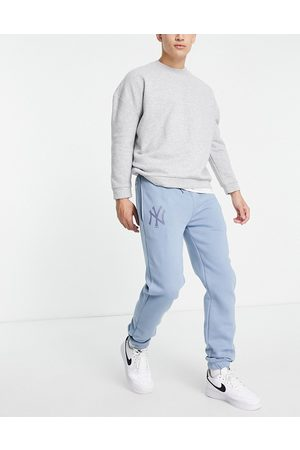 New Era Men Tracksuit - New York Yankees relaxed fit joggers in soft