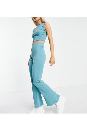 Missguided Women Vests & Camis - Ribbed racer vest and flare set in teal