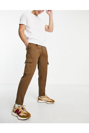 Topman Men Cargo Pants - Tapered twill cargo trousers in brown